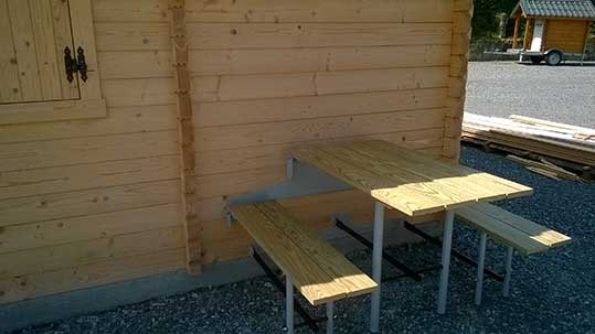 small_table4_depliee_profil_chalet