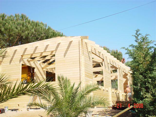 construction de notre abris de piscine en bois